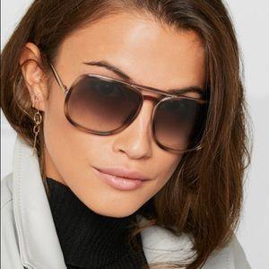 NWT Chloe Nate Aviator Sunglasses 🕶 💗